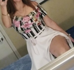 Blanca happy ending massage, escort girl