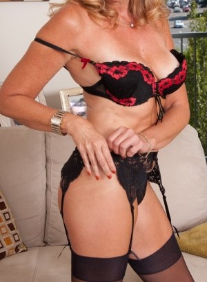 Marie-helene tantra massage and call girls