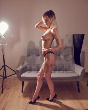 Elcin live escorts and nuru massage